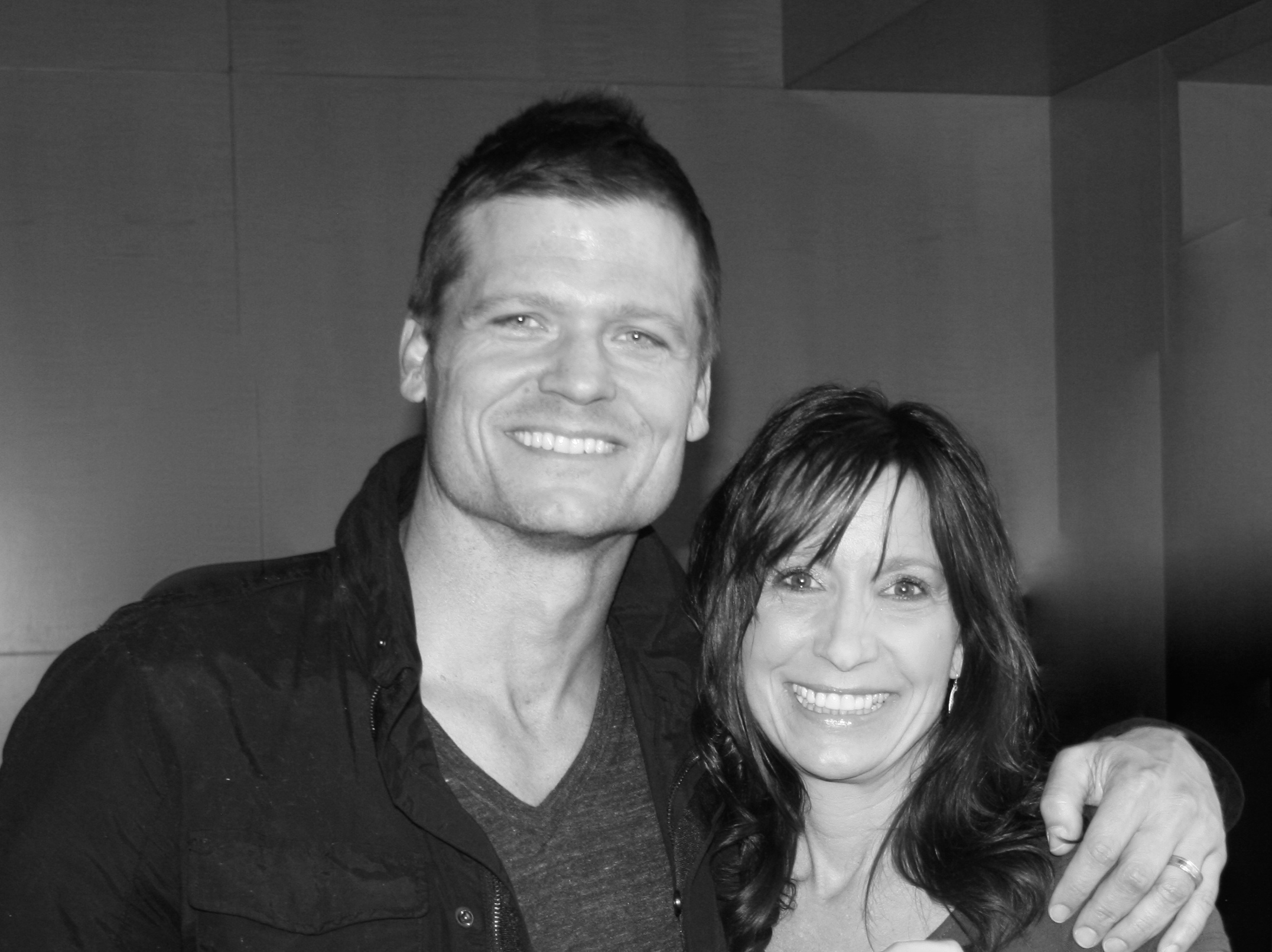 Bailey Chase with Longmire with Donna Root and AIMe of Jigabot copy